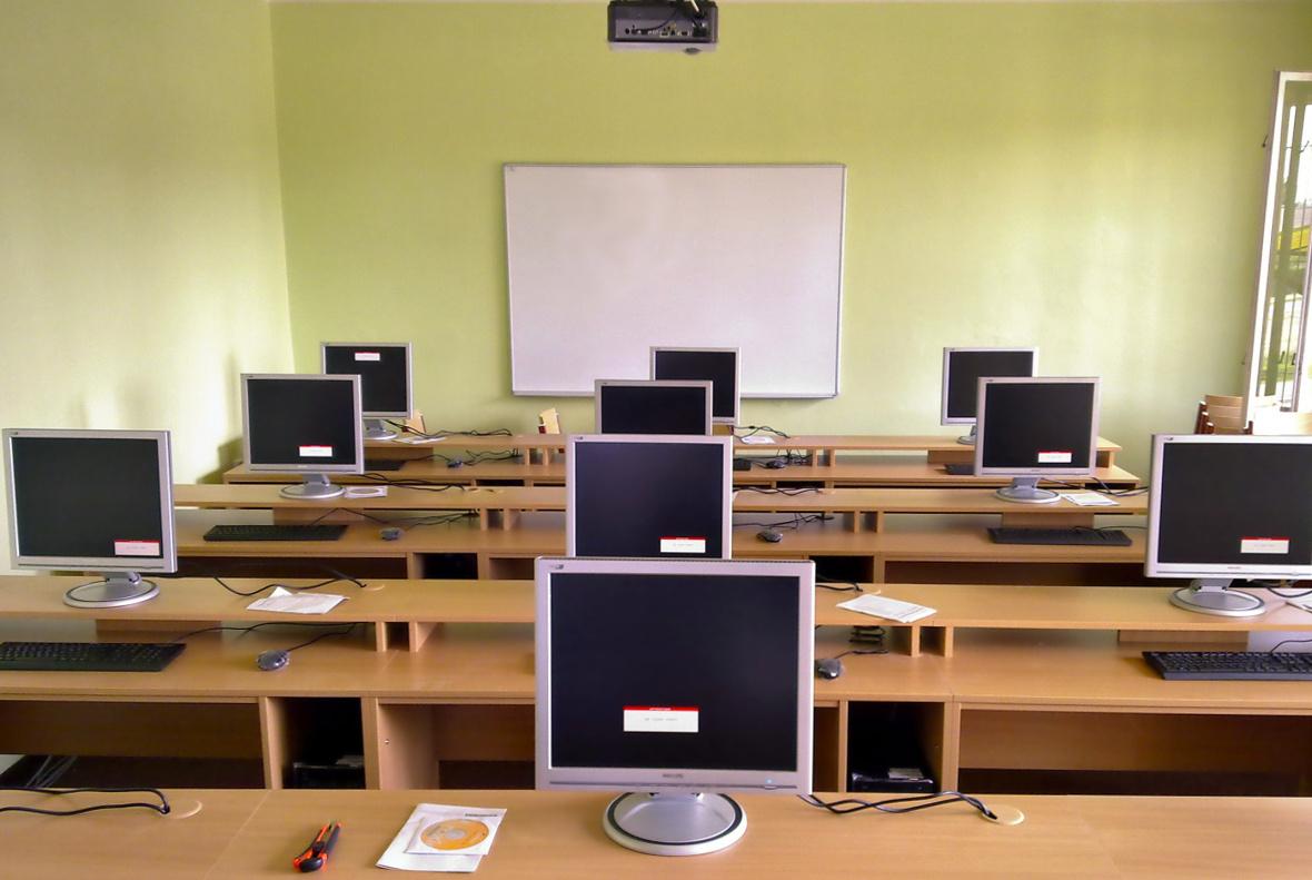 Strukturovaná kabeláž PC učeben, LAN sítě